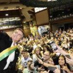 Jair Bolsonaro é o terceiro chefe de governo mais popular do mundo!