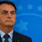 """Bolsonaro diz que decreto de suspensão a quarentena já está """"pronto na mesa"""""""