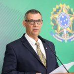 Porta-voz da Presidência, general Otávio Barros, testa positivo para o novo coronavírus