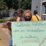 Manifestantes reivindicam o cumprimento da cota para as mulheres na eleição do Goiás