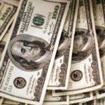 Dólar cai para menor valor em quatro meses com euforia externa