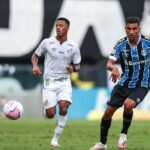 Guris contra meninos: Grêmio e Santos opõem nova safra na Libertadores
