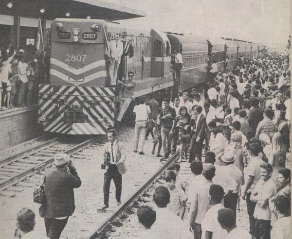 Chegada do 1º Trem a Brasília