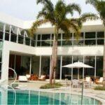 Crise entre os famosos: Xuxa põe mansão a venda por R$45milhões
