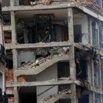 Forte explosão destrói fachada de edifício no centro de Madri