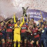 Flamengo é campeão brasileiro no último minuto
