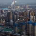 Tempestade de areia envolve Pequim em espessa nuvem de poluição
