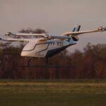 Vídeo: Embraer apresenta 'carro voador' elétrico em voo pela primeira vez
