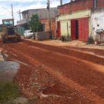 Terraplanagem com melhorias em 20 ruas do Itapoã