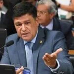 Senador mineiro quer investigar ministro do STF e pode pedir impeachment