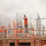 Taxa de desemprego cai e construção civil é destaque no DF
