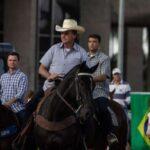 Caminhoneiros entram no Palácio da Alvorada e são recebidos por Bolsonaro