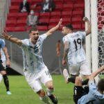 Copa América: no clássico do Rio da Prata, Argentina supera Uruguai