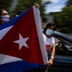 """MILHARES PROTESTAM NAS RUAS DE CUBA CONTRA O GOVERNO. """"LIBERDADE"""" É A PALAVRA DE ORDEM"""