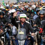 """Vídeo: """"Lutaremos com todas as armas disponíveis"""", disse Bolsonaro em mega-motociata em Florianópolis"""