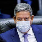 Lira diz que tratar de alterações na lei do impeachment 'foge do escopo' do relatório da CPI