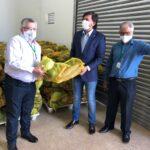 Agricultura e Banco de Alimentos são homenageados por Claudio Abrantes