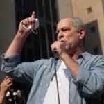 """Ciro Gomes é vaiado por petistas e rebate: """"fascistas de vermelho"""""""