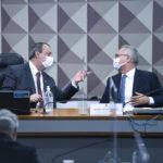 Senadores da CPI retiram acusações de genocídio e homicídio contra Bolsonaro